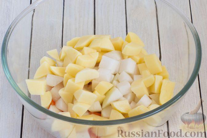Фото приготовления рецепта: Кольраби, свёкла, картофель и морковь, запечённые с бальзамическим соусом - шаг №5