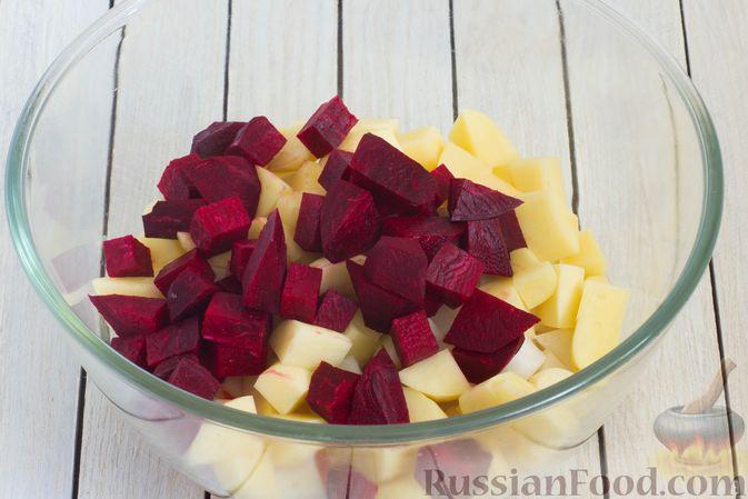 Фото приготовления рецепта: Кольраби, свёкла, картофель и морковь, запечённые с бальзамическим соусом - шаг №6