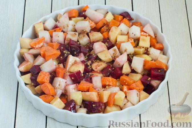 Фото приготовления рецепта: Кольраби, свёкла, картофель и морковь, запечённые с бальзамическим соусом - шаг №8
