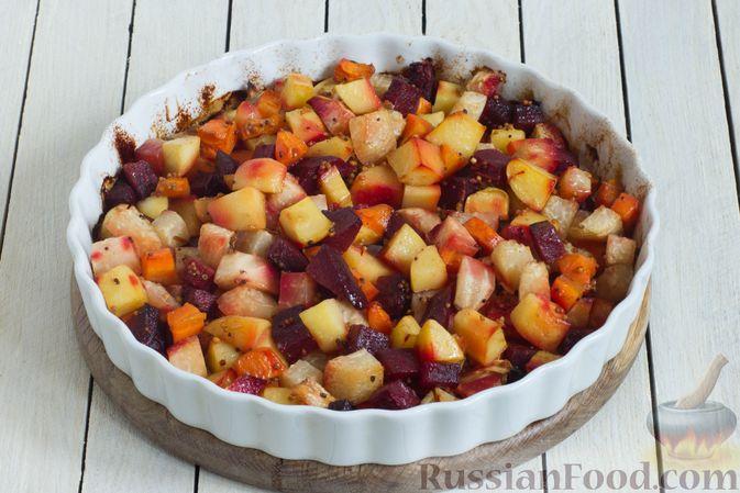 Фото приготовления рецепта: Кольраби, свёкла, картофель и морковь, запечённые с бальзамическим соусом - шаг №9