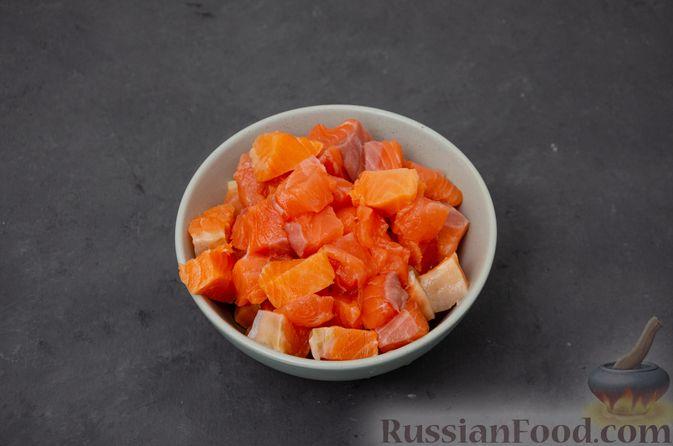 Фото приготовления рецепта: Картофельная запеканка с сёмгой и шпинатом - шаг №7