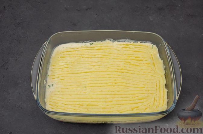 Фото приготовления рецепта: Картофельная запеканка с сёмгой и шпинатом - шаг №12