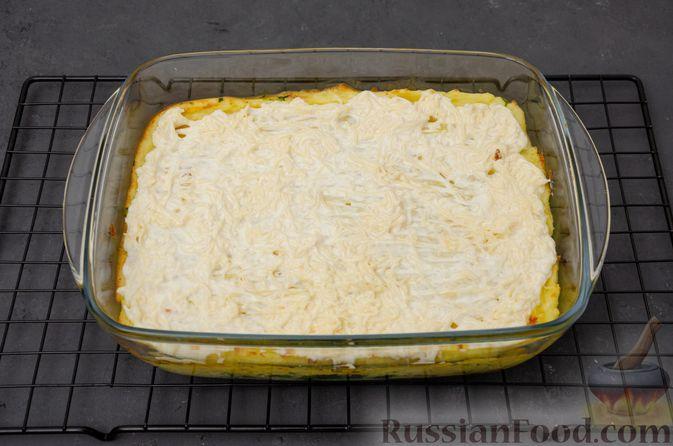 Фото приготовления рецепта: Картофельная запеканка с сёмгой и шпинатом - шаг №14