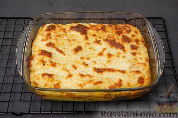 Фото приготовления рецепта: Картофельная запеканка с сёмгой и шпинатом - шаг №15