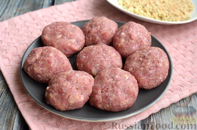 Фото приготовления рецепта: Котлеты из свинины и говядины - шаг №13