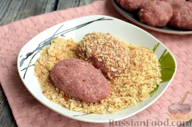 Фото приготовления рецепта: Котлеты из свинины и говядины - шаг №14