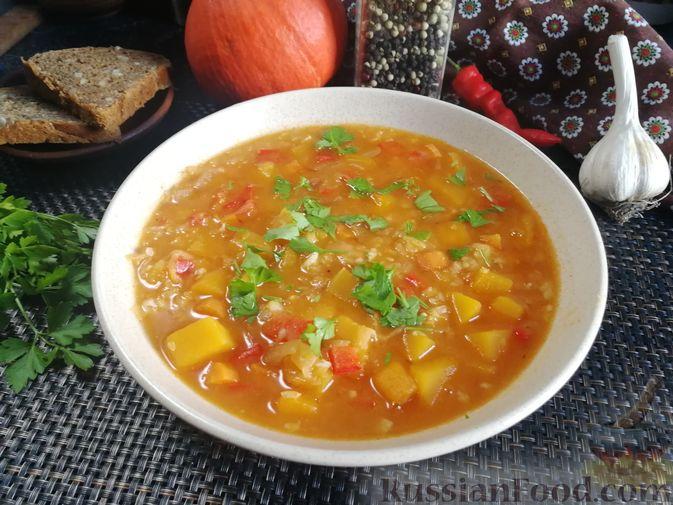Фото к рецепту: Острый гороховый суп с тыквой