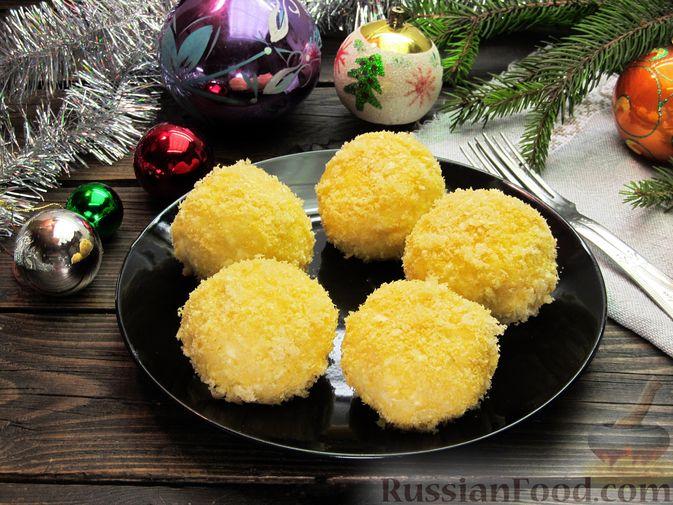 Фото приготовления рецепта: Ленивые вареники с консервированными персиками, в кукурузной посыпке - шаг №14