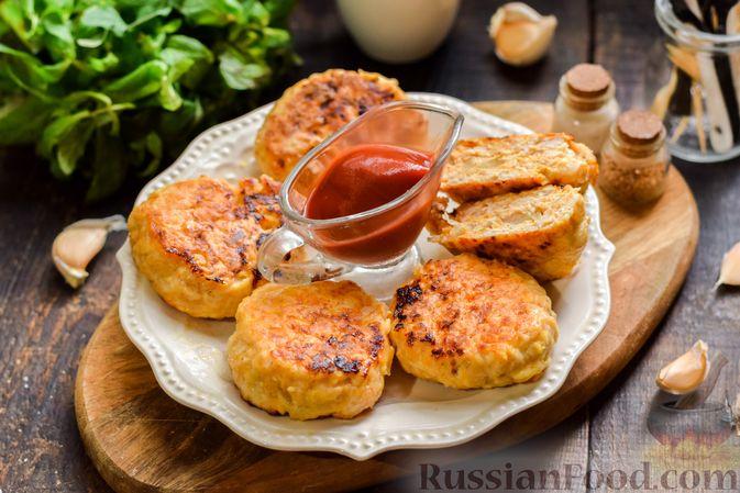 Фото к рецепту: Мясные котлеты с тыквой и плавленым сыром