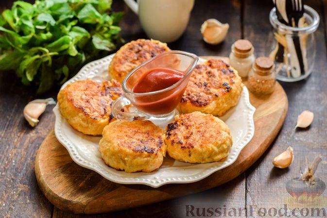 Фото приготовления рецепта: Мясные котлеты с тыквой и плавленым сыром - шаг №13