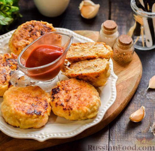 Фото приготовления рецепта: Мясные котлеты с тыквой и плавленым сыром - шаг №14