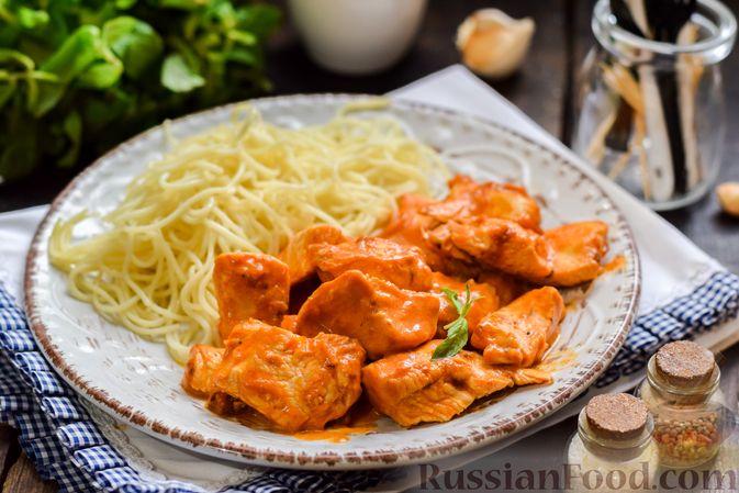 Фото приготовления рецепта: Курица в майонезно-томатном соусе, в микроволновке - шаг №12