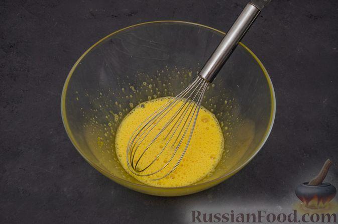 Фото приготовления рецепта: Заварные блины на кефире - шаг №3