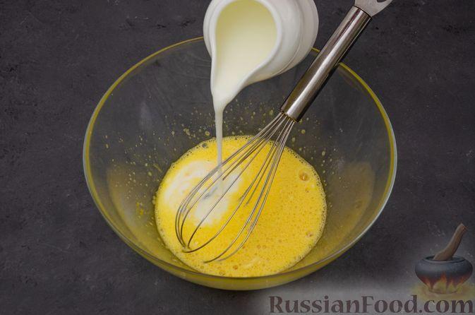 Фото приготовления рецепта: Заварные блины на кефире - шаг №4
