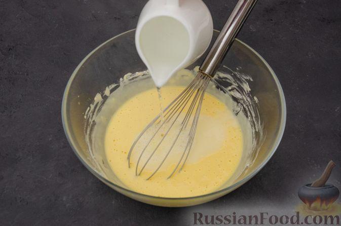 Фото приготовления рецепта: Заварные блины на кефире - шаг №7