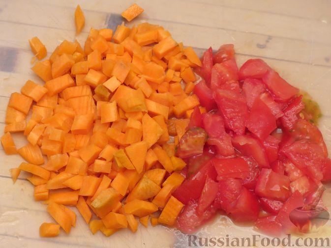 Фото приготовления рецепта: Говяжий суп с нутом, клёцками и помидорами - шаг №9
