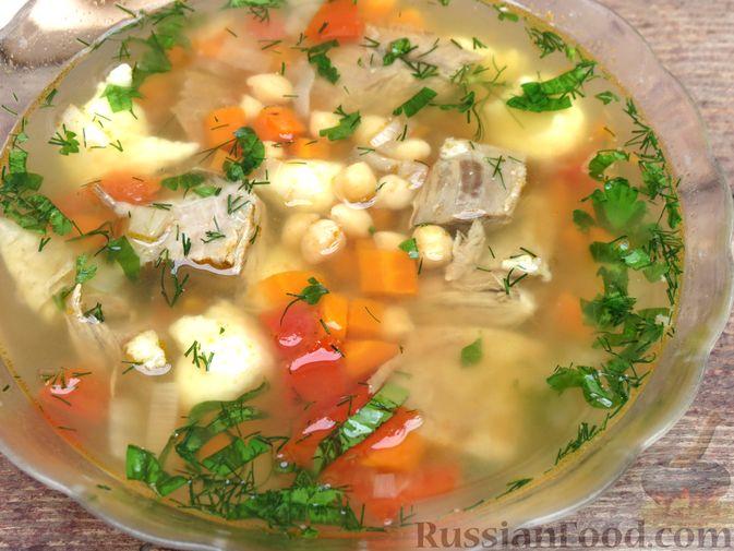 Фото приготовления рецепта: Говяжий суп с нутом, клёцками и помидорами - шаг №14