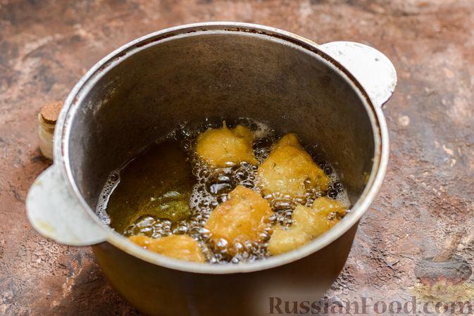 Фото приготовления рецепта: Куриные сердечки в сырном кляре,  жаренные во фритюре - шаг №9