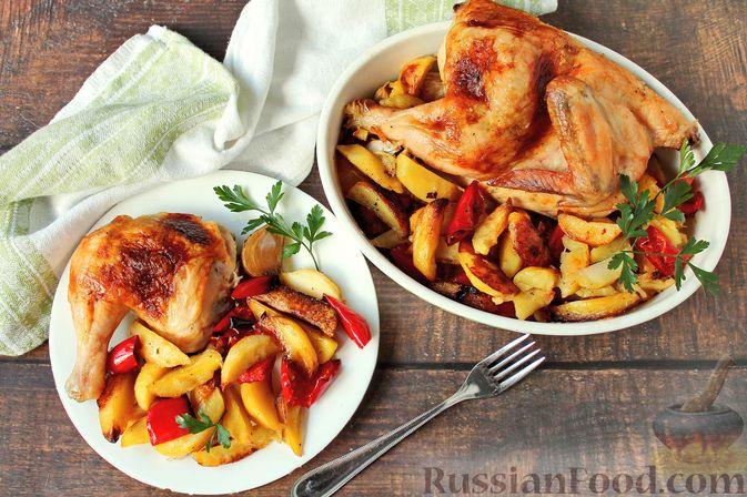Фото к рецепту: Курица, запечённая с картофелем, сладким перцем, вином и розмарином