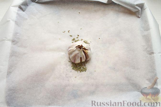 Фото приготовления рецепта: Курица, запечённая с картофелем, сладким перцем, вином и розмарином - шаг №10