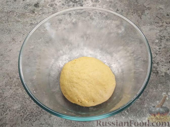 Фото приготовления рецепта: Немецкий луковый пирог - шаг №2