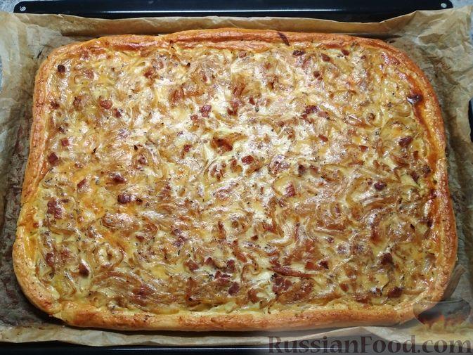 Фото приготовления рецепта: Немецкий луковый пирог - шаг №8