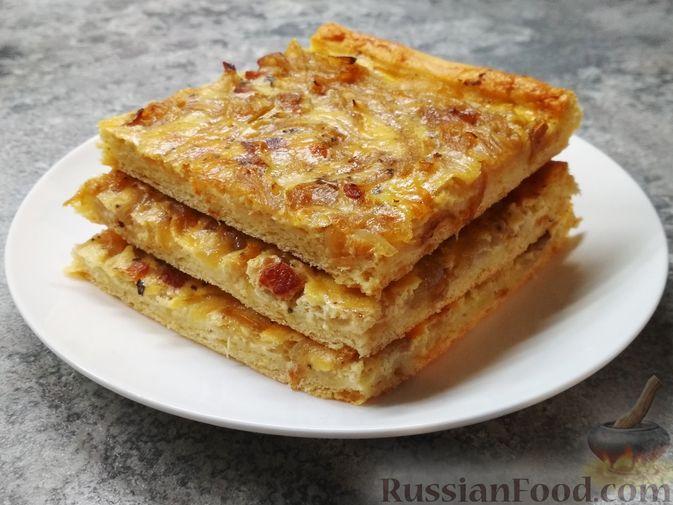 Фото приготовления рецепта: Немецкий луковый пирог - шаг №9