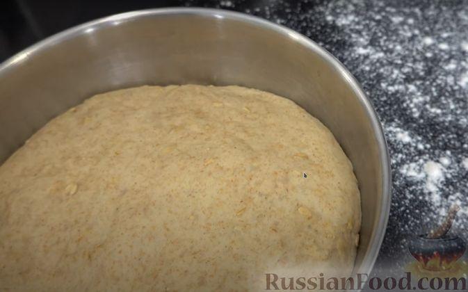 Фото приготовления рецепта: Овсяный хлеб с мёдом (по скандинавскому рецепту) - шаг №4