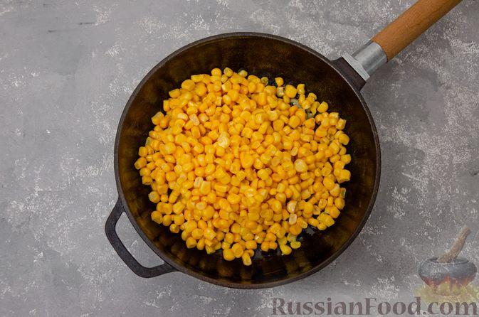 Фото приготовления рецепта: Сливочный суп с мясным фаршем и консервированной кукурузой - шаг №10