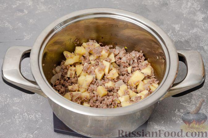 Фото приготовления рецепта: Сливочный суп с мясным фаршем и консервированной кукурузой - шаг №5