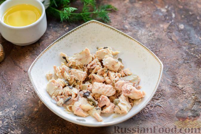 Фото приготовления рецепта: Суп из консервированной горбуши с плавленым сыром - шаг №8