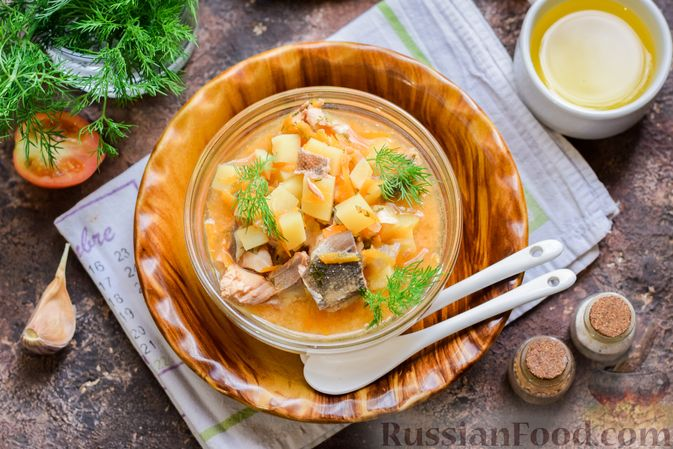 Фото приготовления рецепта: Суп из консервированной горбуши с плавленым сыром - шаг №13