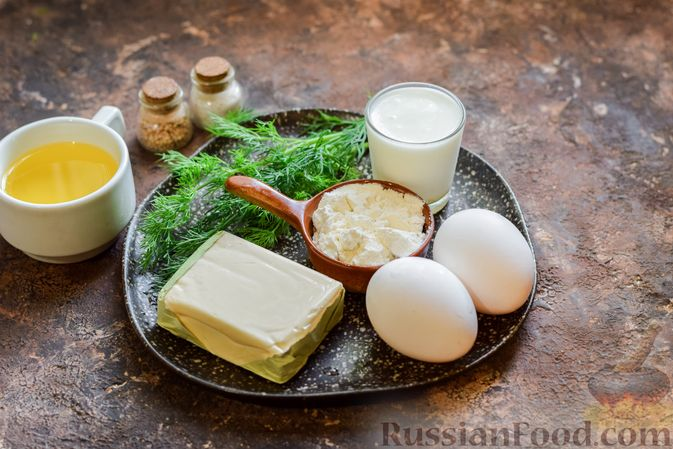 Фото приготовления рецепта: Омлет на кефире с плавленым сыром - шаг №1