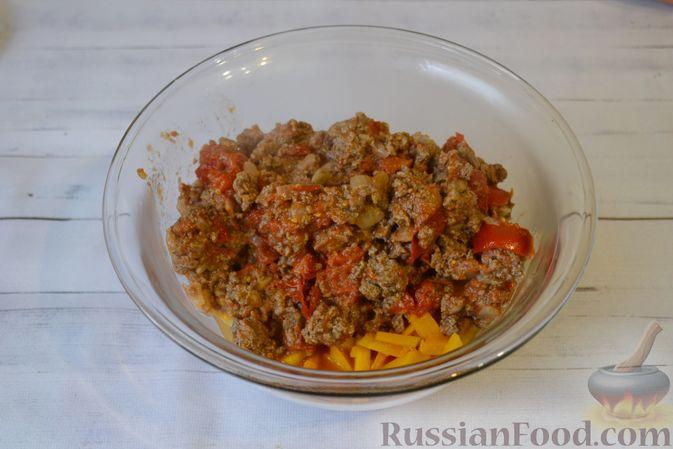 Фото приготовления рецепта: Запеканка из макарон с мясным фаршем и тыквой - шаг №9