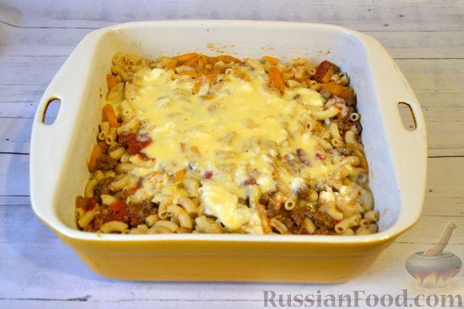 Фото приготовления рецепта: Запеканка из макарон с мясным фаршем и тыквой - шаг №18