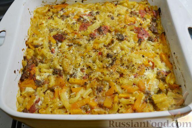 Фото приготовления рецепта: Запеканка из макарон с мясным фаршем и тыквой - шаг №20