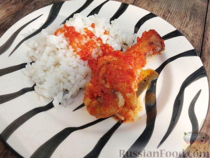 Фото приготовления рецепта: Куриные ножки, запечённые на лаваше, в соусе из кефира и сладкого перца - шаг №9