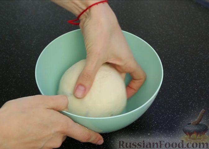 Фото приготовления рецепта: Домашний батон - шаг №8