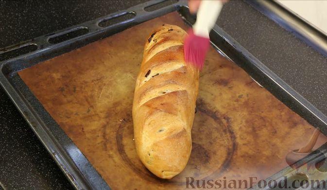 Фото приготовления рецепта: Домашний батон - шаг №21