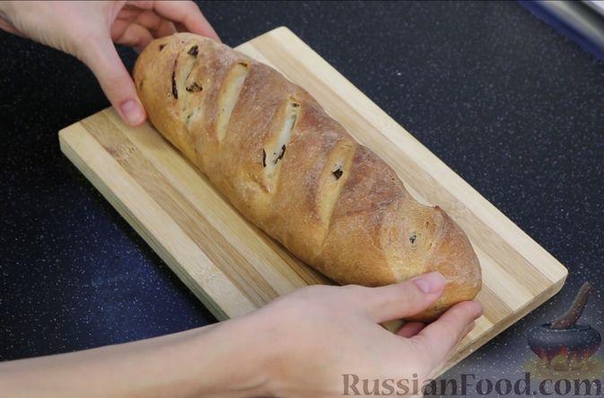 Фото приготовления рецепта: Домашний батон - шаг №22