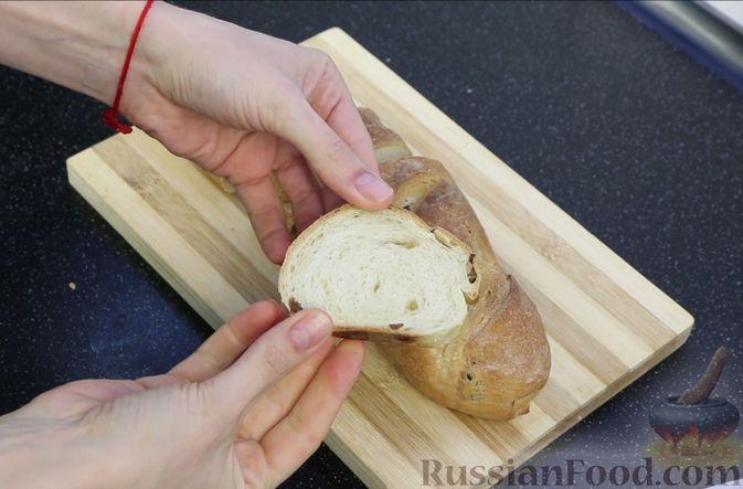 Фото приготовления рецепта: Домашний батон - шаг №23