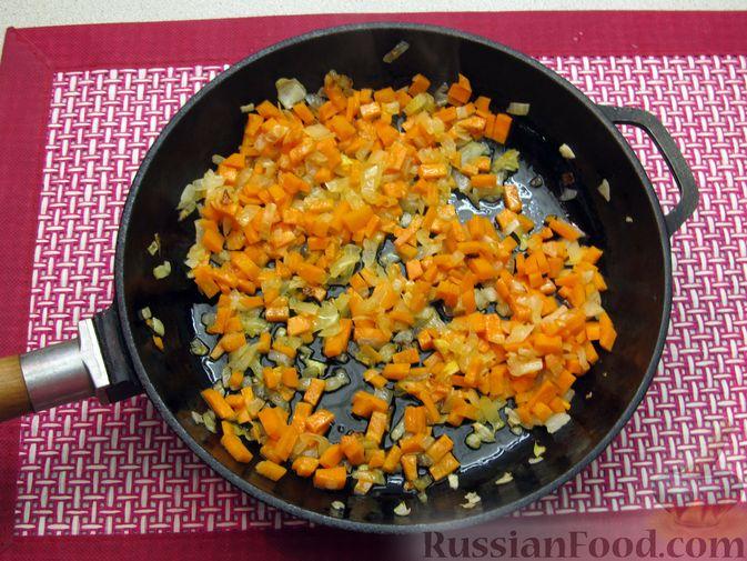 Фото приготовления рецепта: Чечевичный суп с овощами и мясными фрикадельками - шаг №5