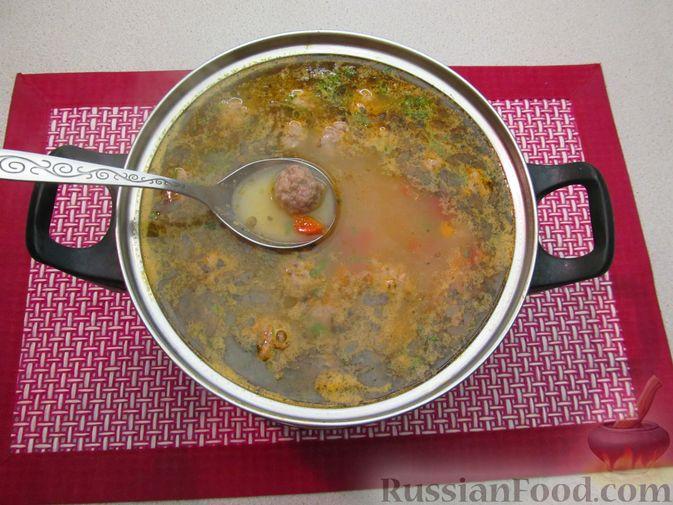 Фото приготовления рецепта: Чечевичный суп с овощами и мясными фрикадельками - шаг №18