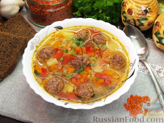 Фото приготовления рецепта: Чечевичный суп с овощами и мясными фрикадельками - шаг №19