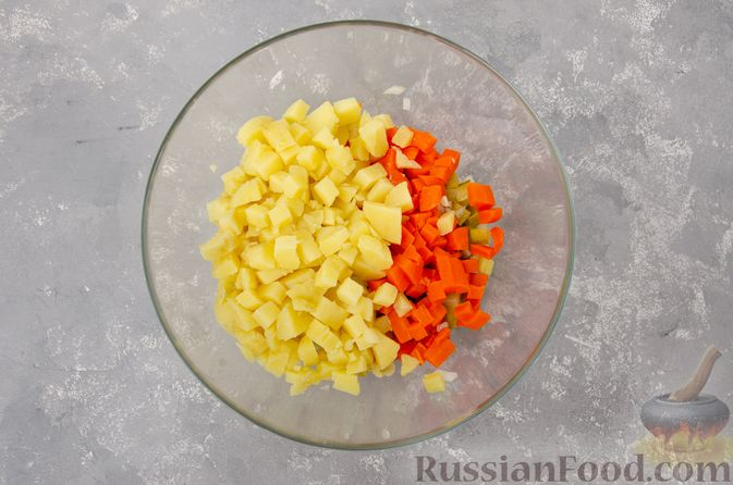 Фото приготовления рецепта: Винегрет с фасолью - шаг №7