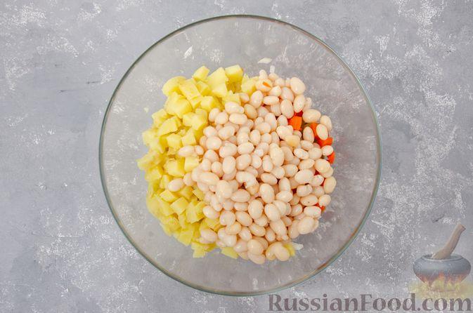 Фото приготовления рецепта: Винегрет с фасолью - шаг №8