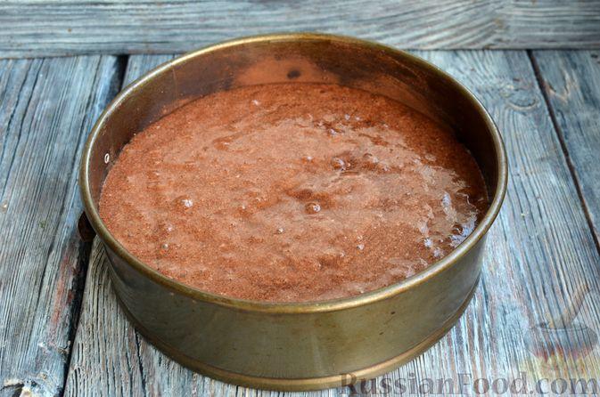 Фото приготовления рецепта: Опавший шоколадный пирог с миндальной мукой, на оливковом масле - шаг №14