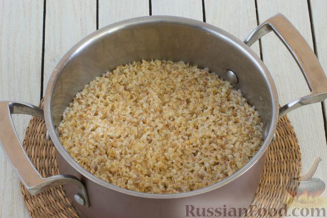 Фото приготовления рецепта: Пшеничная каша на воде - шаг №4