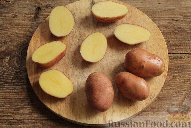 """Фото приготовления рецепта: Жюльен из шампиньонов, в """"лодочках"""" из картофеля - шаг №2"""