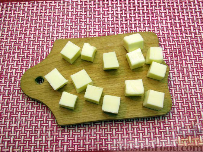 Фото приготовления рецепта: Рисовые крокеты с сыром (в духовке) - шаг №7